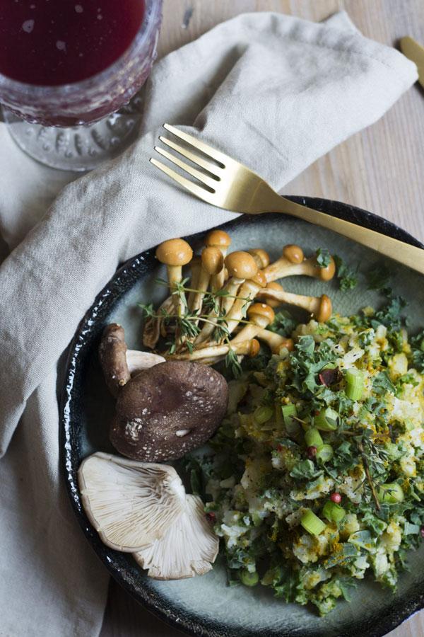 vegetarische boerenkoolstamppot met bloemkoolpuree