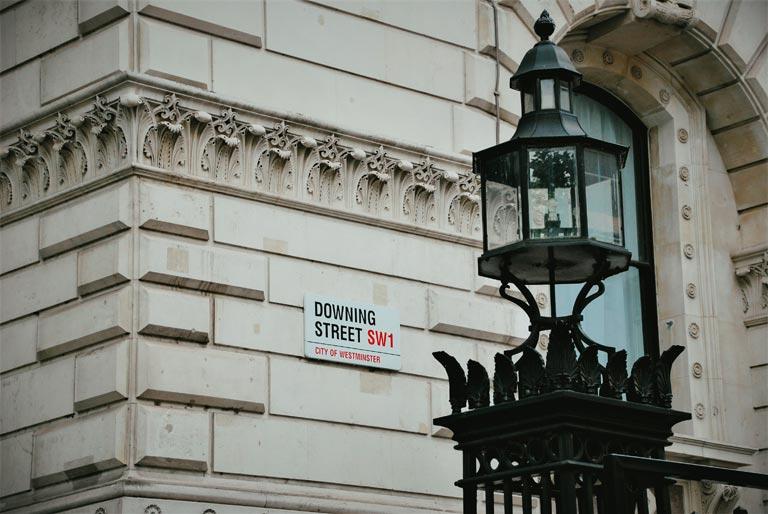 Straatnaambord Downing Street in Londen